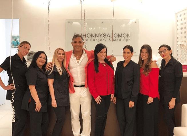 Dr-Jhonny-Salomon-and-Staff